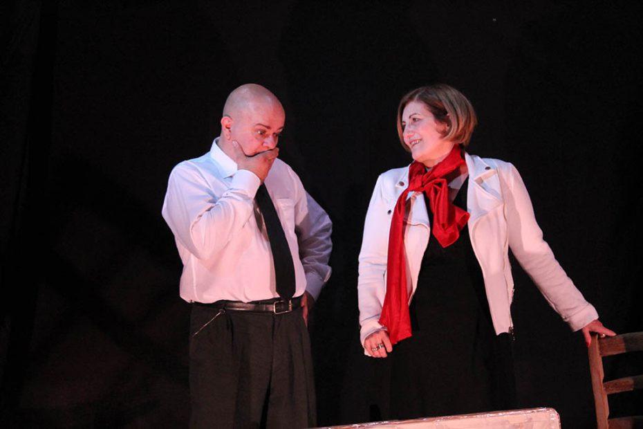 Anna Maria Del Vescovo & Mario Rescigno sono: Dott.ssa Amelia Bradman e Carlo Considine